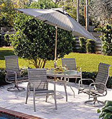 Outdoor Cottage Patio Set